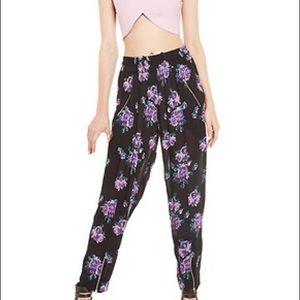 3/$30🌻Somedays Lovin Floral Pants